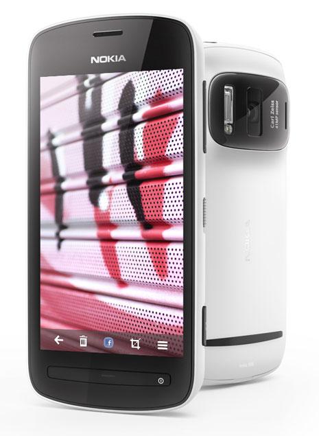 Nokia 808 smartphone Jeddah