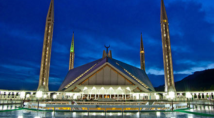 faisal mosque pakistan Top 10 Most Beautiful Mosques In The World