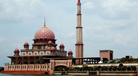 putrajaya mosque malaysia Top 10 Most Beautiful Mosques In The World